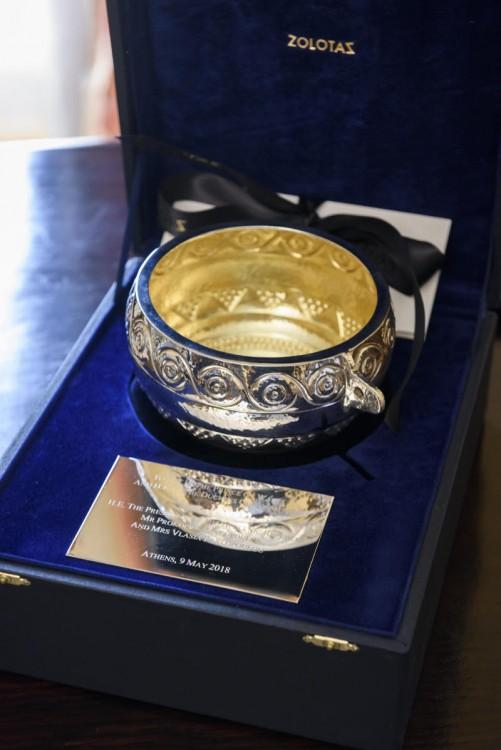 Δημιουργία του οίκου ZOLOTAS το δώρο στον Πρίγκιπα Κάρολο
